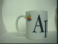 apple skodelica.jpg